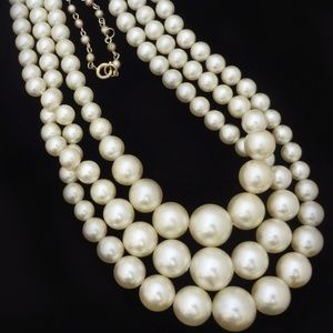 Vintage Silvery Pearl Necklace Triple Strand